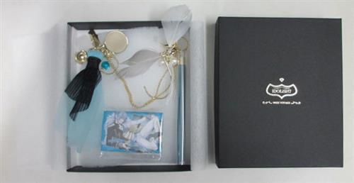 アイドリッシュセブン 「WiSH VOYAGE」衣装デザインバッグチャーム (スクエア缶バッジ付) 四葉環 【ナナイロストア限定】